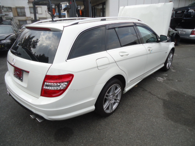 PartsWEB Vehicles For Used Auto Parts Picture No.1/Mercedes Benz C250 Wagon
